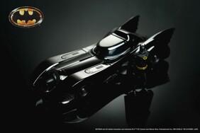 Batman (1989) - Batmobile Chrome Black 1:24 Scale Hollywood Ride with Batman